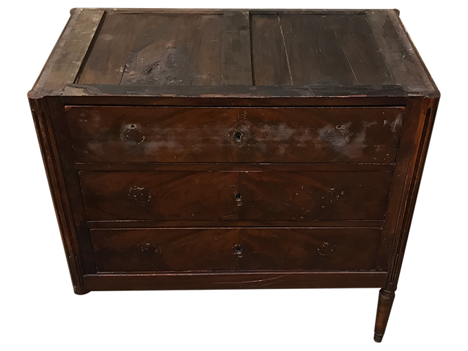 Avant restauration. Commode d'époque Louis XVI